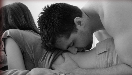 man-woman-sexy-kiss-bedroom