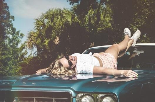 woman_hood_car.jpg