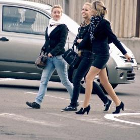 women-teens-walk-talk-gossip.jpg